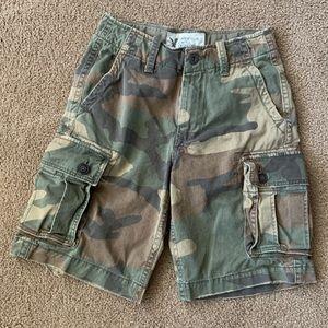 AMERICAN EAGLE Distressed Camo Cargo Shorts SZ 28